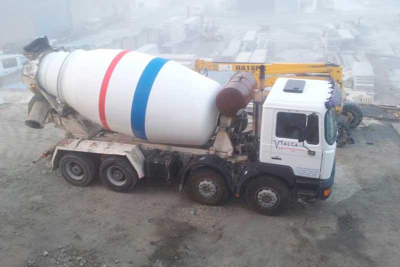 Vialca Hormigones - camión hormigonera
